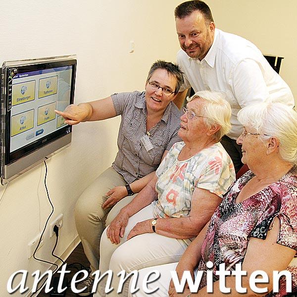 Senioren in den Feierabendhäusern der Diakonie Ruhr nutzen Videotelefonie und surfen im Internet.