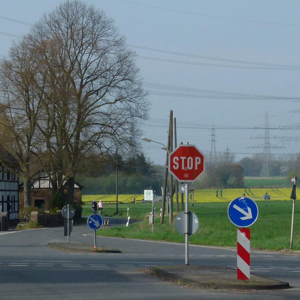 Die neue Umsteigehaltestelle Heven Dorf: Hier sollen die Senioren aus dem Vormholz in die Straßenbahn umsteigen und Studenten zur Ruhr-Universität Bochum