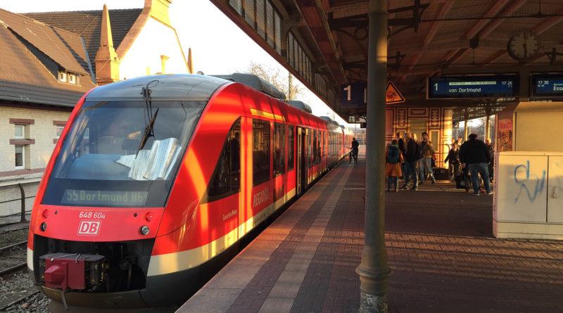 Dieselschienenbus auf der S-Bahn-Linie 5 im Wittener Hbf